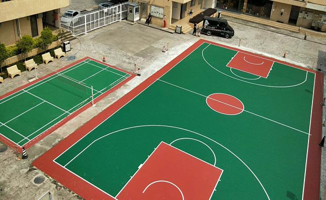 东莞石排京木厂硅PU篮球场及弹性丙烯酸羽毛球场完工!